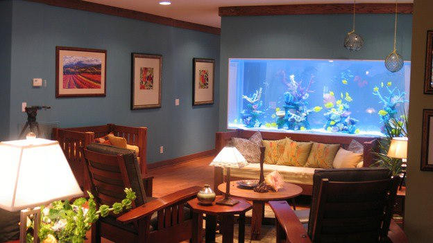 600 gallon custom aquarium for Extreme Makeover Home Edition TV show by Indoor Oceans